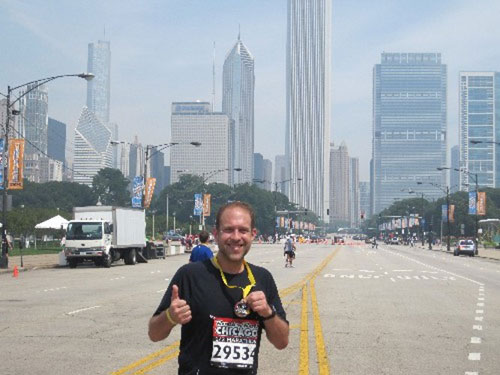 2 thumbs up for our Chicago marathon runners!